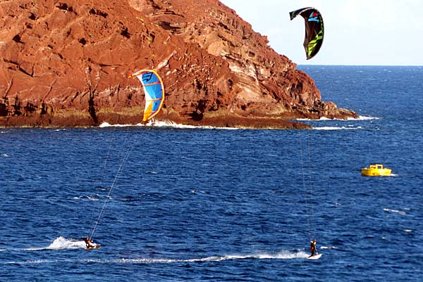 Teneriffa - Kite-Surfer am der Playa de la Tejita